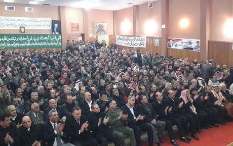 Chien su Syria: 150 phien quan nop vu khi dau hang tai tinh Daraa - Anh 1