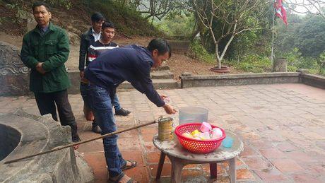 Dan dua nhau ve uong nuoc gieng Ngoc 700 nam o Hai Duong - Anh 8