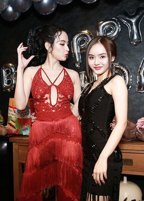 Angela Phuong Trinh sexy het co don tuoi 22 - Anh 6