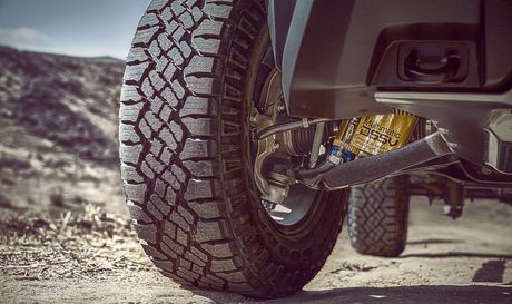 Ban tai off-road Chevrolet Colorado ZR2 gia tu 40.995 USD - Anh 3