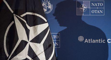 NATO hua hen gia tang ap luc doi voi Nga - Anh 1