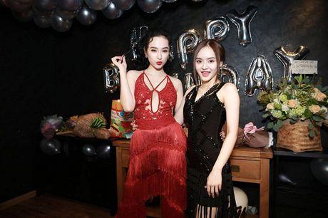 Angela Phuong Trinh rang ro don tuoi moi ben ban be - Anh 11