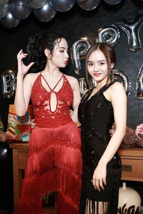 Angela Phuong Trinh rang ro don tuoi moi ben ban be - Anh 12
