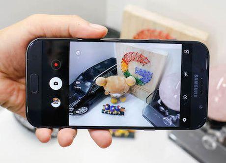 Bo doi Samsung Galaxy A 2017 - ban nang cap dang gia - Anh 1