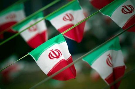Hang tram ngan nguoi Iran bieu tinh chong ong Trump - Anh 1