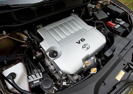 Toyota Venza 'lot xac' sieu xe sang Bentley tien ty - Anh 5