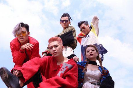 Tronie – Mia tung lien tuc 4 ca khuc de tang khan gia - Anh 1