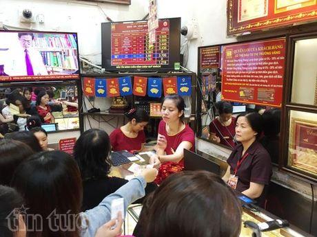 Gia vang van giu duoc moc 37 trieu dong/luong - Anh 1