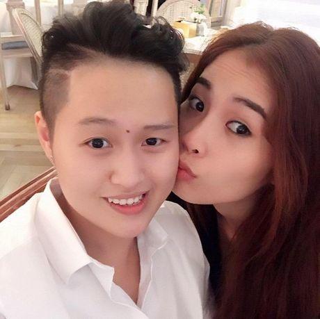 Bi de doa tinh mang, Nam Em vua khoc vua livestream cau cuu cu dan mang - Anh 8