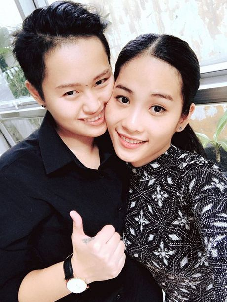 Bi de doa tinh mang, Nam Em vua khoc vua livestream cau cuu cu dan mang - Anh 9