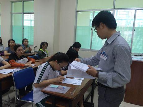 Thi THPT Quoc gia 2017: Giang vien DH van ve dia phuong coi thi - Anh 1