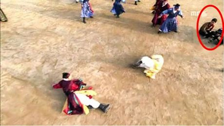 Nhung loi hai huoc trong phim co trang Han Quoc - Anh 10