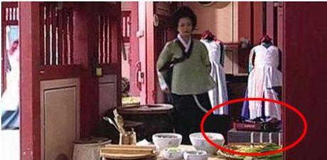 Nhung loi hai huoc trong phim co trang Han Quoc - Anh 4