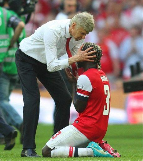 Tro cu bao ve Wenger, chi trich CDV Arsenal - Anh 2