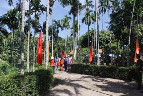 Quang Ngai tuong niem ngay mat cu Huynh Thuc Khang. - Anh 1