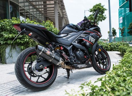 Yamaha R3 lot xac voi nhieu do choi va lop son mo - Anh 2