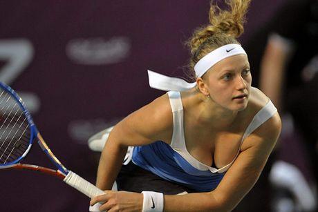 Tennis ngay 21/4: Thay cu Djokovic khen Federer nhu Pele. Kvitova dang ky tham du Roland Garros sau chan thuong khung khiep - Anh 5