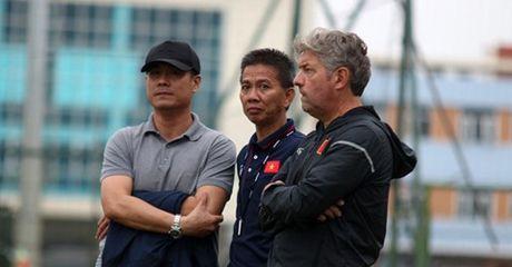 Tin HOT sang 22/4: U20 Viet Nam duoc doi thu… giup do - Anh 1