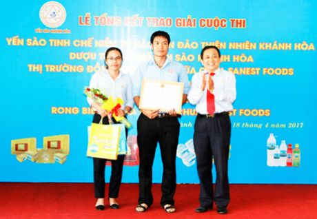 Cong ty Yen sao Khanh Hoa trao thuong 3 cuoc thi lon - Anh 1