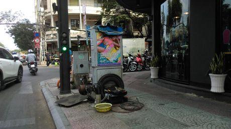 Hang loat bot dien 'chinh inh' tren via he chiem loi di bo - Anh 10