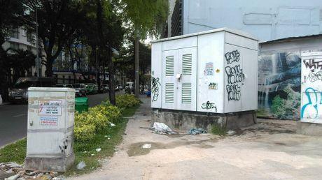 Hang loat bot dien 'chinh inh' tren via he chiem loi di bo - Anh 11