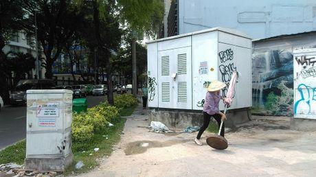 Hang loat bot dien 'chinh inh' tren via he chiem loi di bo - Anh 13