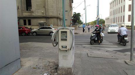 Hang loat bot dien 'chinh inh' tren via he chiem loi di bo - Anh 5