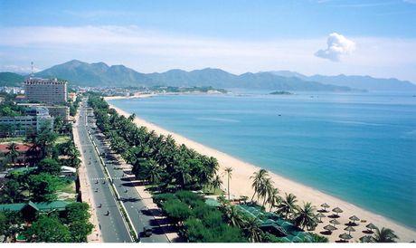 PGS.TS Vu Thanh Ca: 'Lan bien o Nha Trang la pham luat' - Anh 1