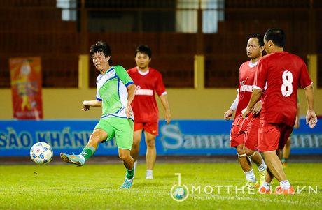 Nguyen Huu Dang, Le Tan Tai 'doi dau' Dang Dao o giai U.19 quoc te - Anh 12