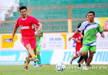 Nguyen Huu Dang, Le Tan Tai 'doi dau' Dang Dao o giai U.19 quoc te - Anh 2