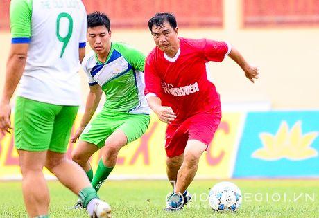 Nguyen Huu Dang, Le Tan Tai 'doi dau' Dang Dao o giai U.19 quoc te - Anh 5