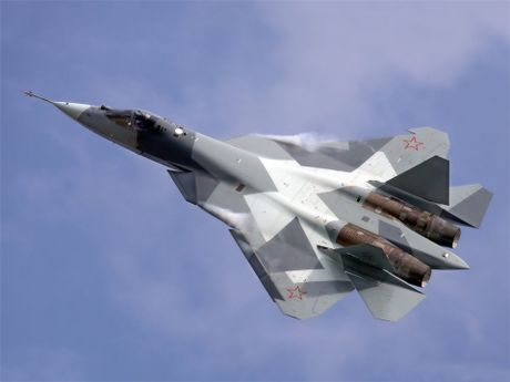 Sieu tiem kich T-50 Nga chiem ngoi quan quan ve may bay chien dau (video) - Anh 1