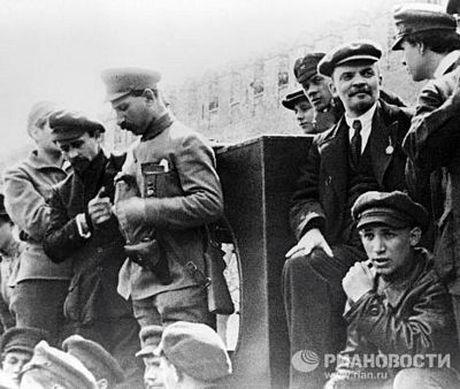 Lanh tu Lenin va nhung khoanh khac cuoc doi - Anh 6