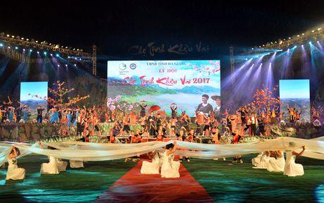 Khai mac le hoi Cho tinh Khau Vai - Ton vinh net dep van hoa dac sac - Anh 1