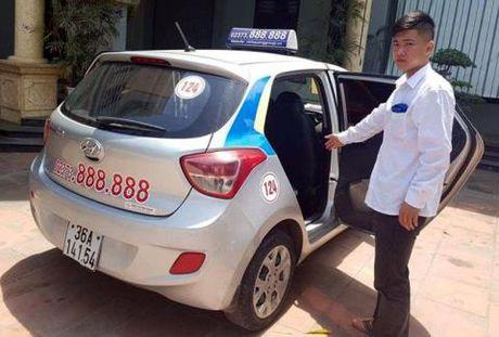 Tai xe taxi mo bung cua cuu nguoi: Dung voi phan xet - Anh 2