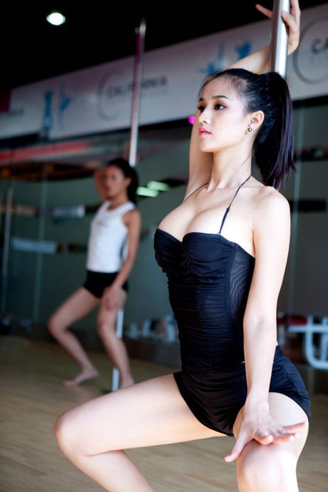 Kho roi mat truoc man mua cot sexy cua my nhan Viet - Anh 3