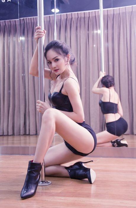 Kho roi mat truoc man mua cot sexy cua my nhan Viet - Anh 4