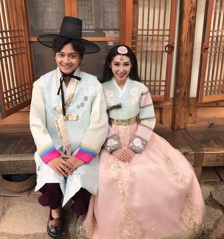 Ngo Kien Huy – Khong Tu Quynh sieu dang yeu khi quay MV tai Han Quoc - Anh 1