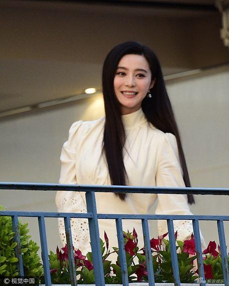 Pham Bang Bang rang ro cung dan giam khao Cannes 2017 - Anh 3