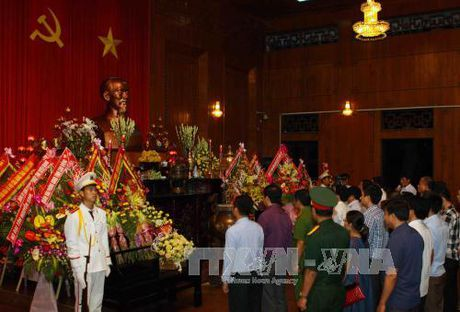 Nghe An: Khai mac Le hoi Lang Sen nam 2017 - Anh 1