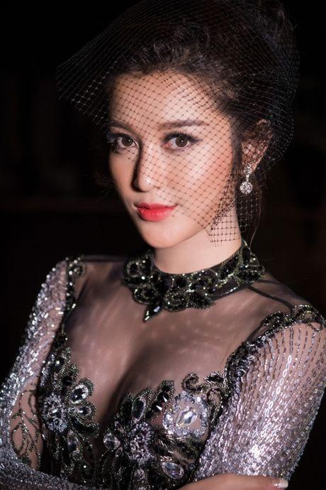 Vbiz 17/5: Gia dinh Huyen My 'ra tay', My Tam chinh thuc len tieng ve chuyen cuoi xin - Anh 1