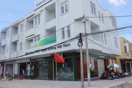 Bon lan hoa trang cuop ngan hang bat thanh cua ky su dien Le Lam Hung - Anh 2