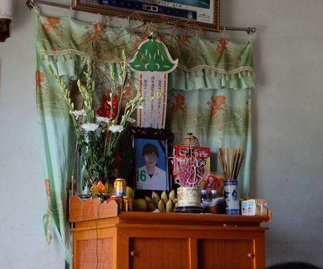 Vu nu sinh de lai thu tuyet menh o Hai Phong: Cong an xac dinh khong bi su ep buoc - Anh 2