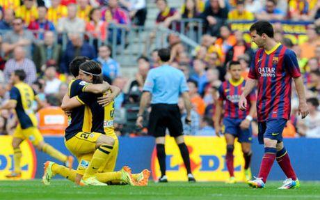 La Liga va nhung cuoc lat do ky vi: Real, Barca tung la nan nhan - Anh 5