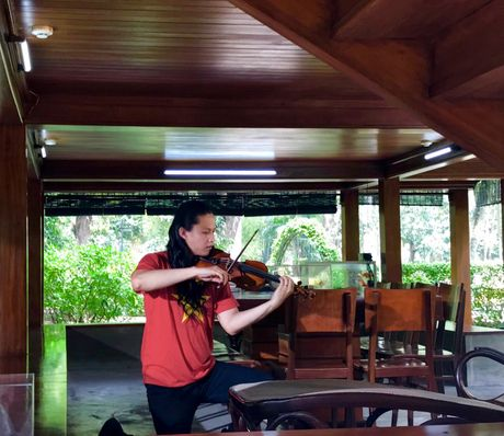 Nghe si violin Anh Tu lam MV kinh dang len Bac - Anh 1