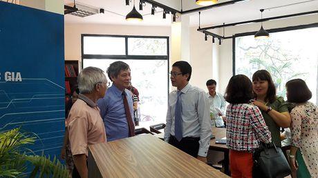 Khai truong Diem truy cap mo Thong tin KHCN quoc gia - Anh 2