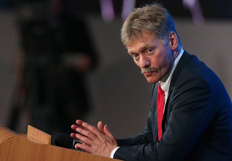 Ukraine mo rong lenh trung phat Nga, Kremlin 'dap loi' - Anh 1