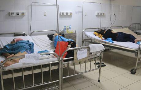 Da Nang: Xac dinh nguyen nhan khien 17 khach du lich bi ngo doc - Anh 2