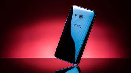 HTC U11 chinh thuc ra mat: Cong nghe bop vien - Anh 2