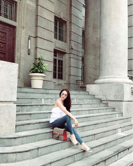 Bao Thy tu thuong chuyen du lich Singapore sau dang quang The Remix - Anh 1